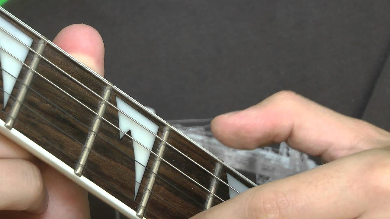 guitar lesson how to tune a guitar low e string youtube. Black Bedroom Furniture Sets. Home Design Ideas