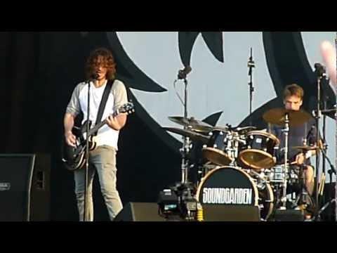 Soundgarden - Black Hole Sun (Live - Download Festival, Donington, UK, June 2012)