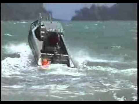 Orca 6m Aluminium Pontoon Boat in rough seas