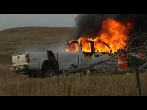 PIPELINE PROTEST: Raw video of violent protest against oil pipeline in South Dakota