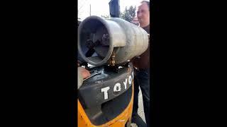 Замена газового баллона  погрузчика в