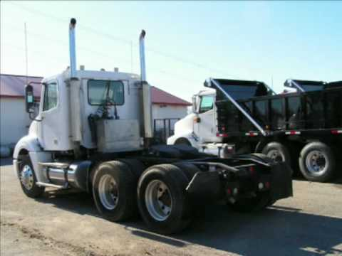 Detroit 60 Series >> 2007 Freightliner Conventional Tandem Tractor - YouTube