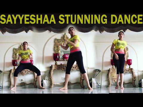 Sayyeshaa Saigal Stunning Dance Performance