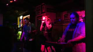 """Shady Street Show Band - """"King of the World"""" Live at the Green Parrot 2018"""