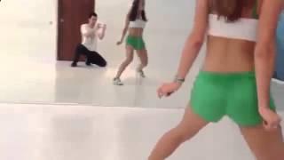 очень_сексуальный_танец_бути_дэнс.  Booty_Dance