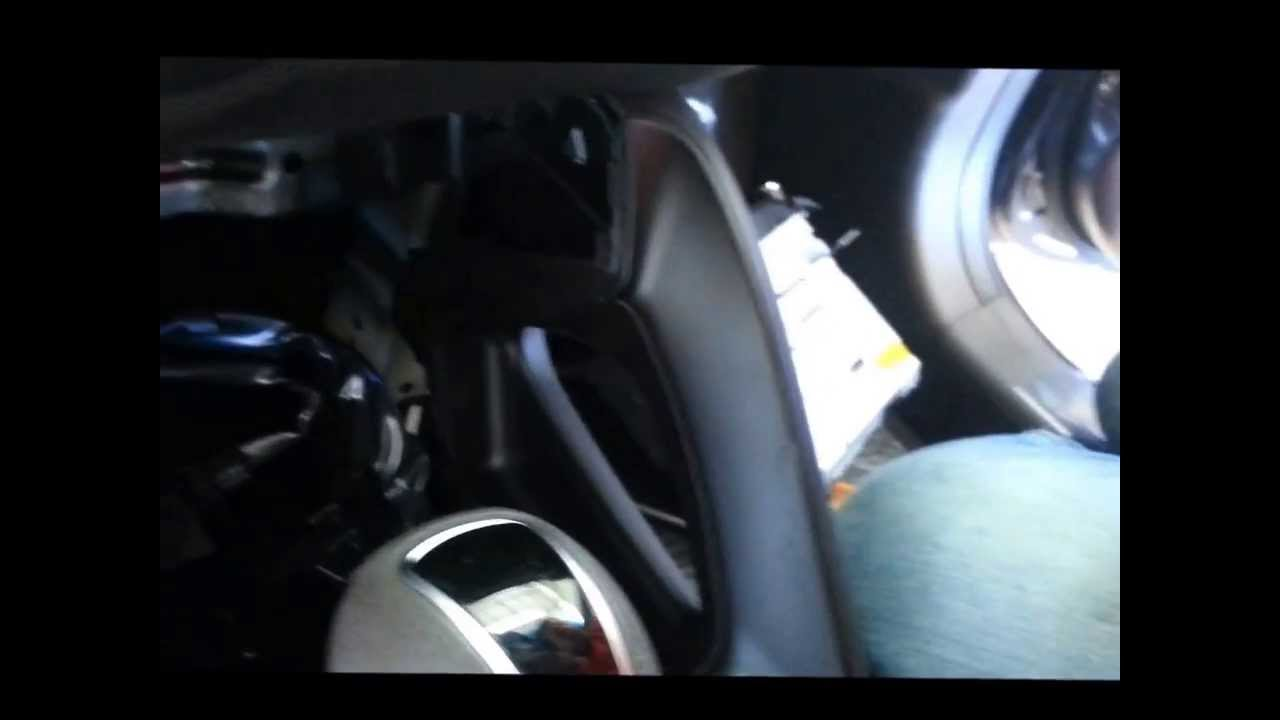 Remove Hyundai Tucson(2010-2014) ix35 OEM AUX USB Jack AssyMy
