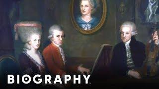 Wolfgang Amadeus Mozart - Pianist & Composer   Mini Bio   BIO