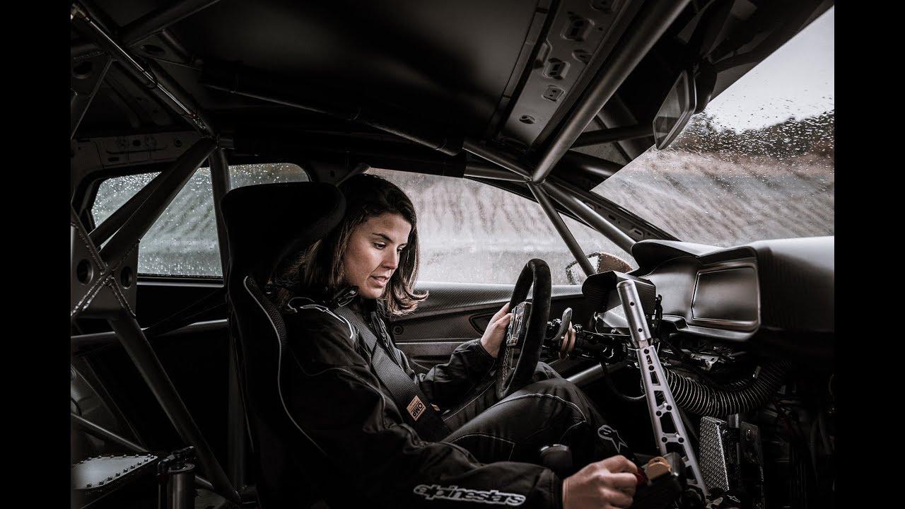 Laia Sanz a jej príprava na 24 hodinové preteky na Cupre TCR - YouTube