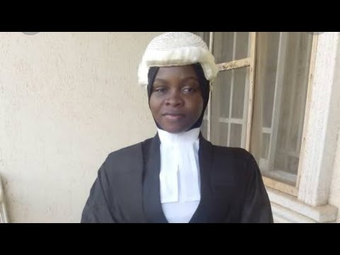 22 year old Nigerian girl refuses to remove her hijab before being called to bar - Amasa  Firdaus