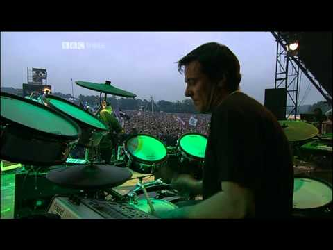 New Order - Love Vigilantes (Glastonbury 2005)