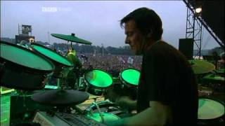 New Order - Love Vigilantes (Glastonbury 2005)
