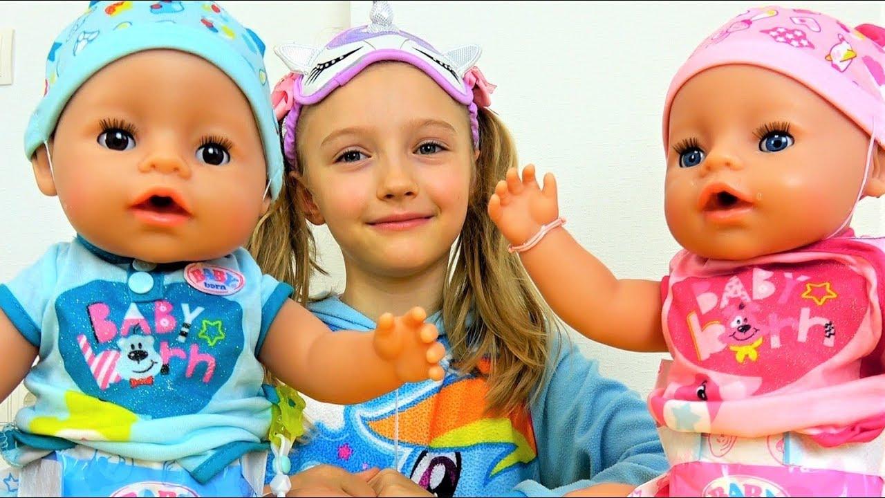 Куклы хотят спать Полина как няня для малышей