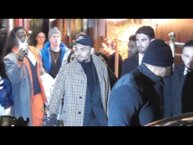 VIDEO Chris Brown leaves his hotel in Paris 23 january 2019 after being released for rape allegation