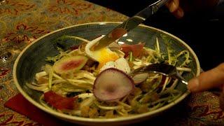 Gastronomie : œuf poché, lard fumé et salade printanière - Météo à la carte