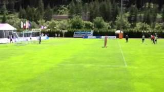 Video Fiorentinanews.com: Punizione di Leonardo Capezzi in allenamento
