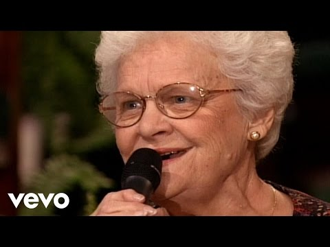 Mary Tom Speer Reid - Mama's Teaching Angels How to Sing [Live]