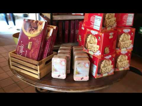 Epcot's World Showcase Italy Pavilion - Walking Around the Gift Shops