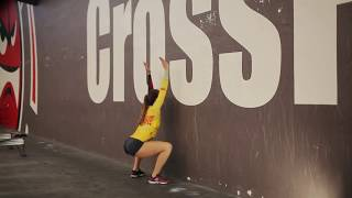 Упражнение приседания у стены Разминка Exercise squats against the wall Comprehensive workout
