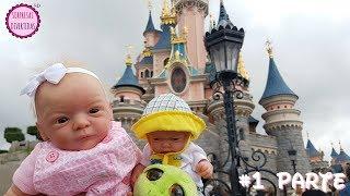 #1 Disneyland con mis muñecos bebés Lindea y Ben - Vlog de Viaje al parque Disney para niños