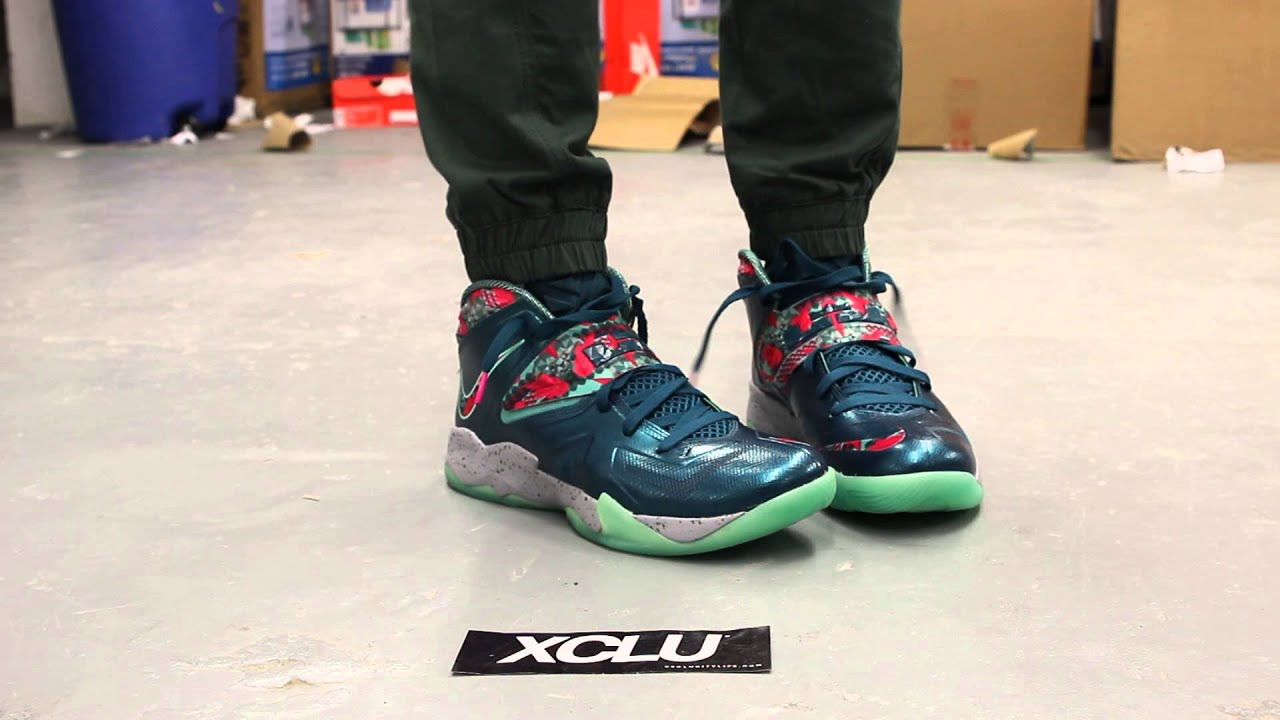 great fit 6bc98 de425 ... promo code lebron zoom soldier vii power couple on feet video at exclucity  youtube d329b 315d4
