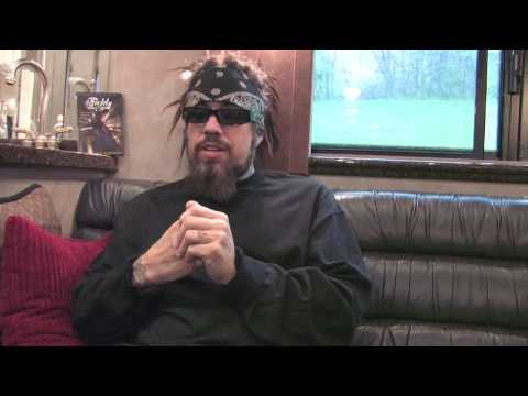 Korn - Fieldy talking about the 'Chi song' project
