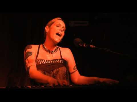 Beth Hart- Crashing Down at Jimmi's 3-6-10