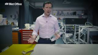 كيفية جعل سحابة في زجاجة - 60 ثانية علوم