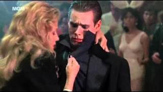 Однажды укушенный танец Джима Керри
