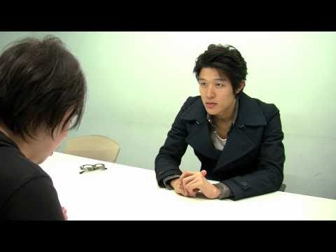 金曜ドラマ「うま○る。」や映画「阪○電車」に出演している鈴木亮平。 それを告知したい!と彼が訪ねてきたのですが、普通に告知しても面白...