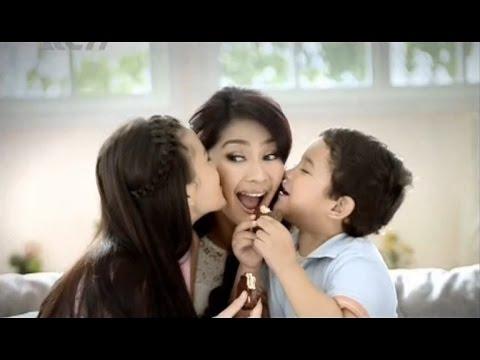 Iklan Lotte Chocopie edisi Maudy Koesnaedi