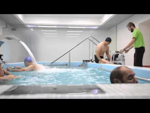 """Центр реабилитации для спинальников """"Ортос"""". Занятия в бассейне"""