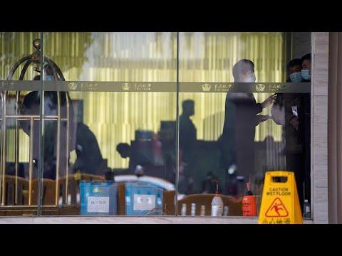 خبراء منظمة الصحة العالمية يخرجون من الحجر للتحقيق في مدينة ووهان الصينية  - نشر قبل 4 ساعة