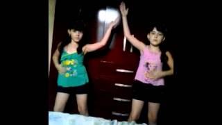 LOANDA e LORRANE dançando (LEPO LEPO)