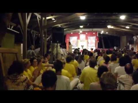 Sivananda Bahamas Daily Chant clip Feb2014 w/Yoga Teacher trainees in yellow shirts