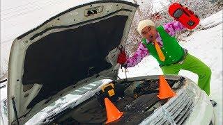 Mr. Jack on Broken Nissan Cedric repair Sport Car in Car Service w/ Turned in Toy Car for Kids