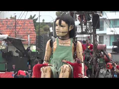 Day 1. The Giants. Little Girl Giant in Perth. Royal de Luxe. Perth, Australia
