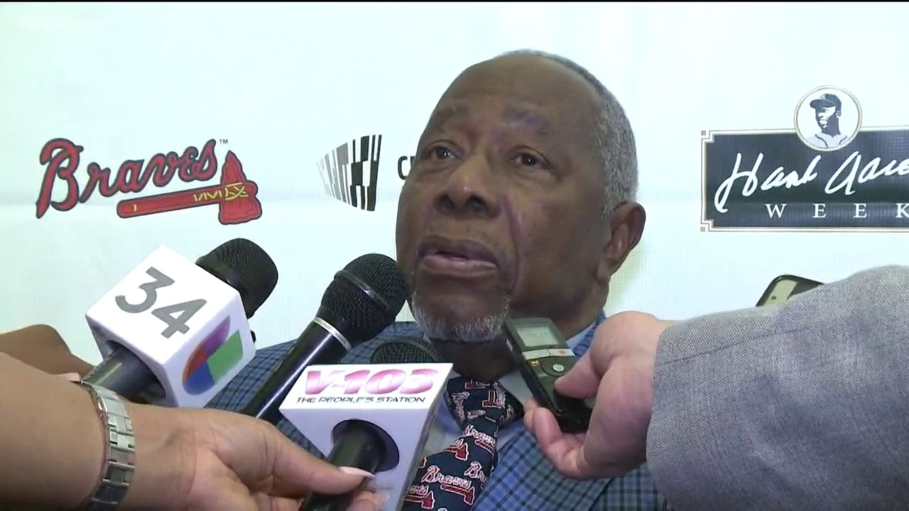 Braves pay tribute to Hank Aaron