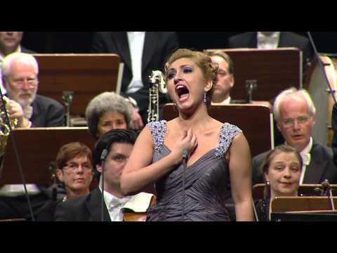 NEUE STIMMEN 2013 - Final: Mkhitaryan Sings