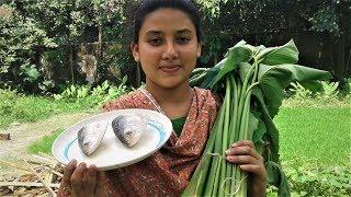 Ilish Macher Matha Diye Kochu Shak   Most Popular Bengali Recipe Cooking By Street Village Food