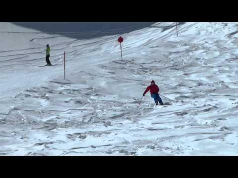 Slopeside Ski Review