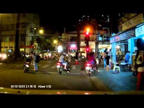 Cướp giật túi xách giữa phố bị dân tóm gọn   Vui Việt