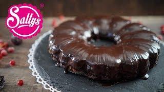 Saftiger Schokoladenkuchen mit Schokoladenguss / vegan