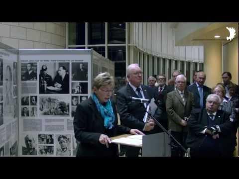 NRW-Landtagspräsidentin Carina Gödecke (SPD) eröffnet Ausstellung beim Parl. Abend des BdV