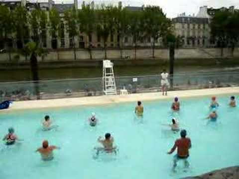 Paris plage piscine gym aquatique youtube for Piscine 50m paris