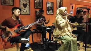 Band Kolaka Lagu MP3 dan MP4 Video