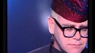 Скачать Elton John A Word In Spanish French TV 1988