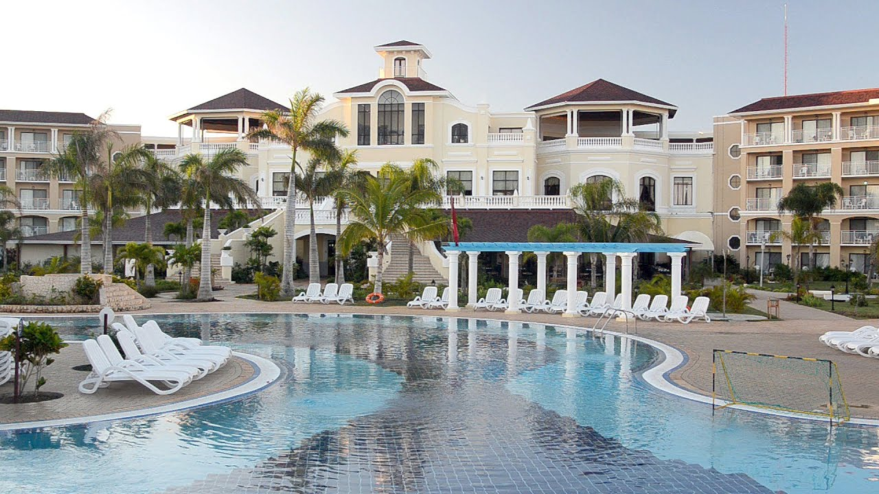 IBEROSTAR LAGUNA AZUL Resort Varadero Beach Cuba Early In The Morning