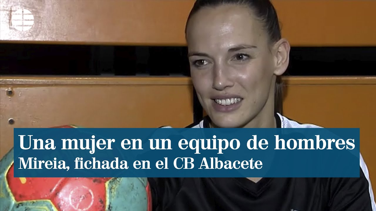 Mireia Rodríguez, primera mujer en un equipo de balonmano masculino