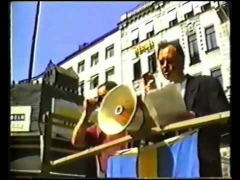 SD:s nationaldagsfirande på Norrmalmstorg 1992 - Anders Klarström talar
