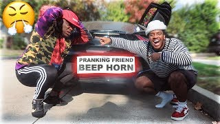 BEEPING CAR PRANK ON FRIEND! (RAGE!!)
